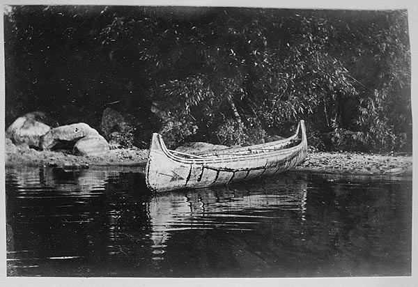 ojibwa-canoe native American canoe design